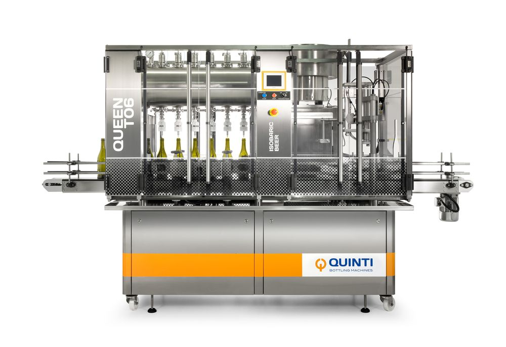 Queen-T06 System Beer can be integrated in a packaging line comprising automatic bottle loading and unloading tables, rinsers, cappers or labellers